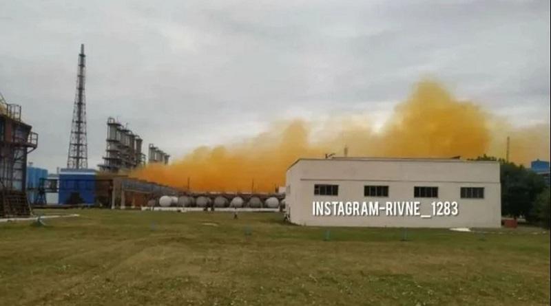 Оранжевая туча идет на Ровно: на химзаводе Фирташа произошел взрыв. Видео.