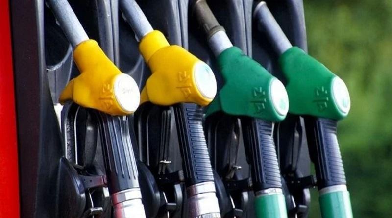 Розничные цены на бензин вновь повысились