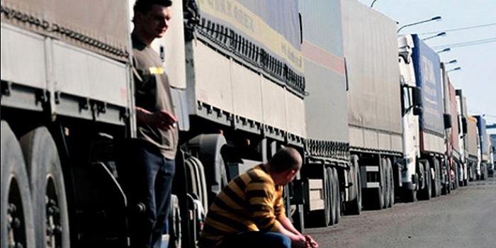 С понедельника в Николаевской области большегрузам запрещено ездить днем. Документы Подробнее читайте на Юж-Ньюз: http://xn----ktbex9eie.com.ua/archives/6253