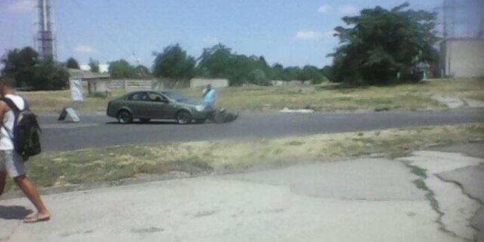 В Южноукраинске произошло ДТП: мопед попал под колёса Chevrolet Подробнее читайте на Юж-Ньюз: http://xn----ktbex9eie.com.ua/archives/11923