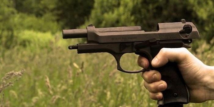 ШОК!!! Под Николаевом мужчина стрелял в детей: Ранены 12-летний мальчик и две девочки 9-ти и 5-ти лет Подробнее читайте на Юж-Ньюз: http://xn----ktbex9eie.com.ua/archives/21406