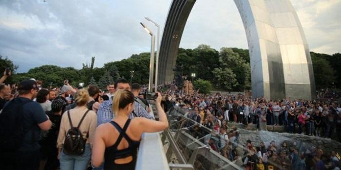 «Мост Кличко» за 400 миллионов треснул через сутки после открытия Подробнее читайте на Юж-Ньюз: http://xn----ktbex9eie.com.ua/archives/52326