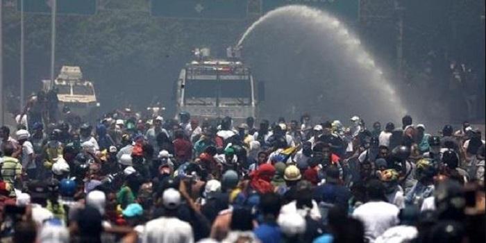 США готовы применить армию в Венесуэле Подробнее читайте на Юж-Ньюз: http://xn----ktbex9eie.com.ua/archives/49594