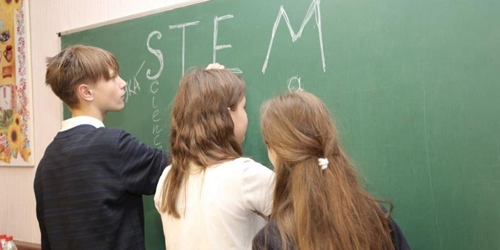Специалисты ОП ЮУАЭС вместе с южноукраинскими гимназистами начали реализацию совместного проекта «STEM — профессии будущего» Подробнее читайте на Юж-Ньюз: http://xn----ktbex9eie.com.ua/archives/50981