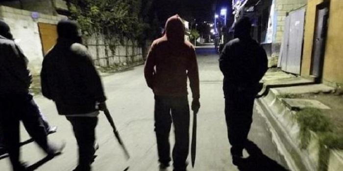 В Закарпатье озверевшие мажоры с оружием устроили массовую бойню (видео) Подробнее читайте на Юж-Ньюз: http://xn----ktbex9eie.com.ua/archives/49937