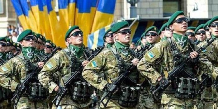 За самовольное ношение военной формы и осквернение памятников ввели штрафы Подробнее читайте на Юж-Ньюз: http://xn----ktbex9eie.com.ua/archives/53973
