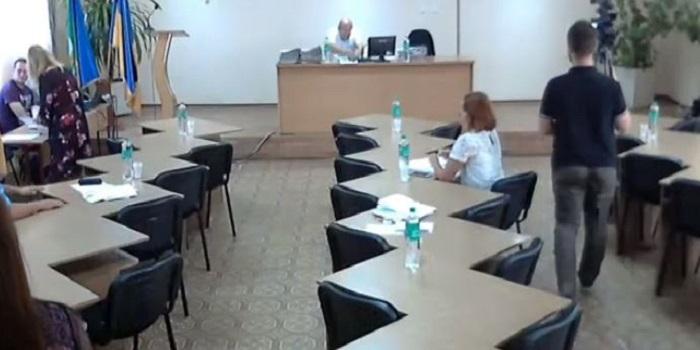 49-я сессия Южноукраинского городского совета так и не состоялась: не хватило кворума Подробнее читайте на Юж-Ньюз: http://xn----ktbex9eie.com.ua/archives/61799
