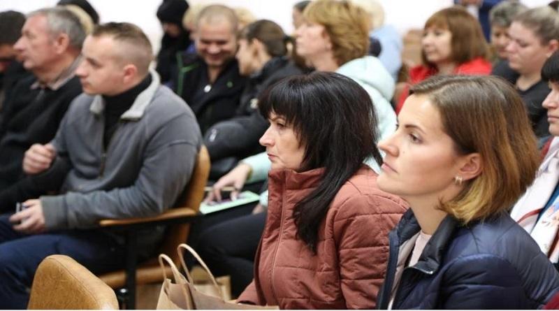 Жители Арбузинки признали общественные слушания по вопросу обоснования безопасности продления срока эксплуатации энергоблока №3 ЮУАЭС состоявшимися Подробнее читайте на Юж-Ньюз: http://xn----ktbex9eie.com.ua/archives/65375