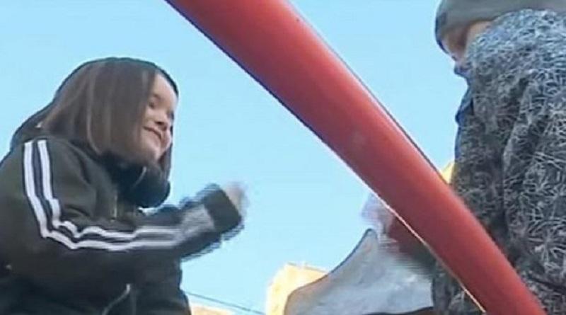«Монетка»: украинских школьников захлестнуло опасное увлечение. Видео. Подробнее читайте на Юж-Ньюз: http://xn----ktbex9eie.com.ua/archives/66191