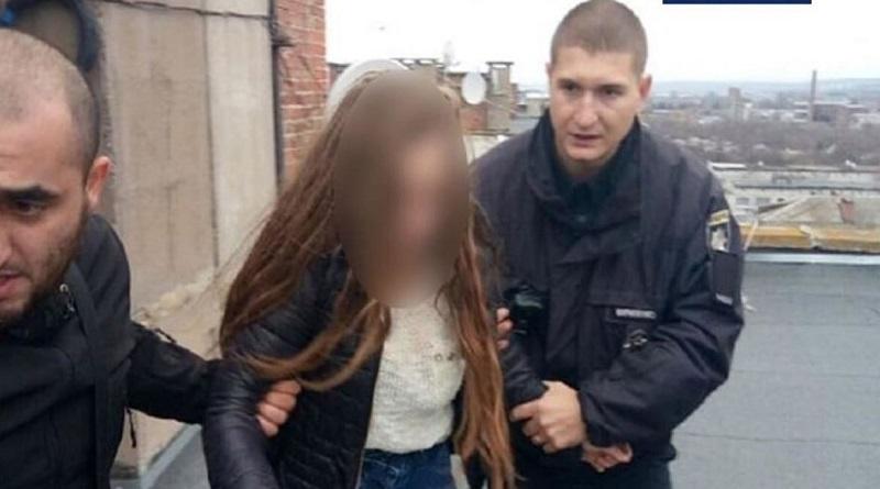 Самогубству 14-річної дівчини завадили патрульні у Слов'янську. Видео. Подробнее читайте на Юж-Ньюз: http://xn----ktbex9eie.com.ua/archives/66749