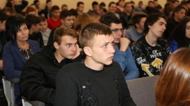 Будущим абитуриентам презентовали условия вступления в вузы, которые готовят специалистов для атомной отрасли Подробнее читайте на Юж-Ньюз: http://xn----ktbex9eie.com.ua/archives/67665