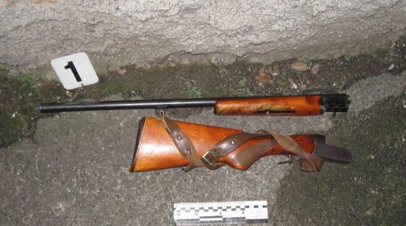 В Первомайске мужчина из ружья расстрелял дома и автомобили обидчиков: один раненый Подробнее читайте на Юж-Ньюз: http://xn----ktbex9eie.com.ua/archives/68795