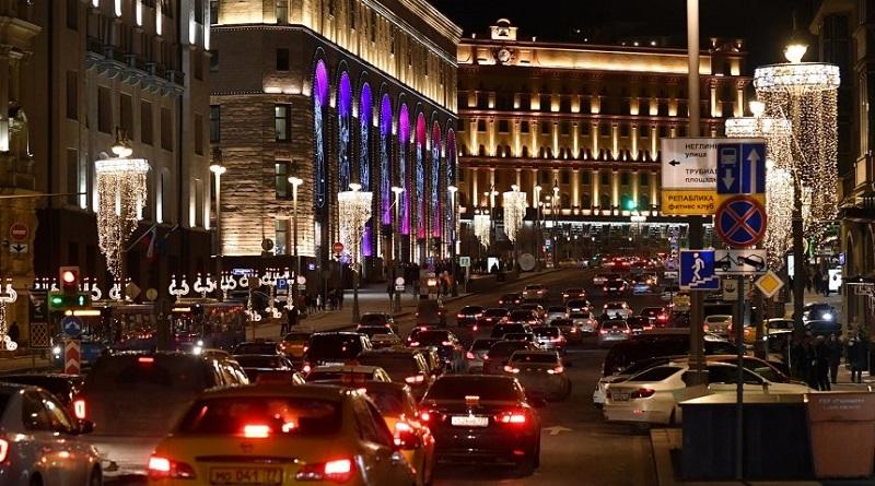 В Москве неизвестный с автоматом забаррикадировался в здании и стреляет: есть жертвы Подробнее читайте на Юж-Ньюз: http://xn----ktbex9eie.com.ua/archives/70210