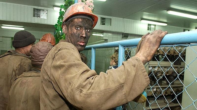 Новый премьер-министр заявил, что часть долга перед шахтерами погашена Подробнее читайте на Юж-Ньюз: http://xn----ktbex9eie.com.ua/archives/74232
