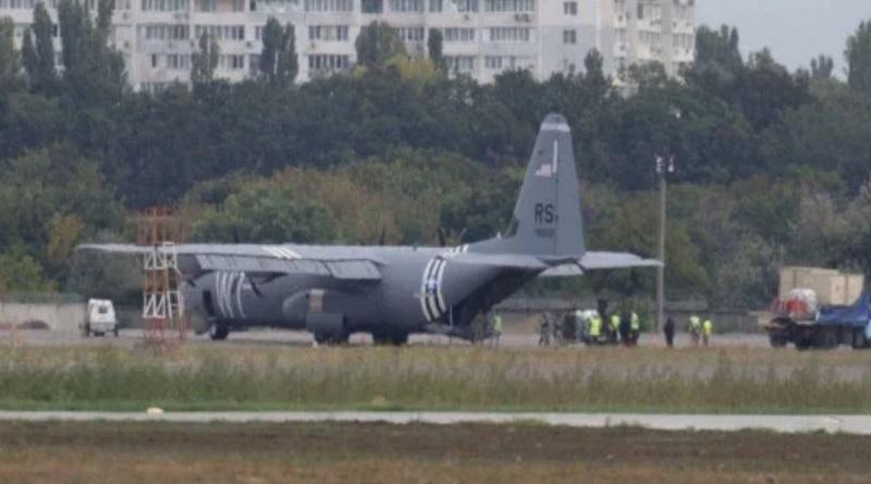 Самолет ВВС США экстренно сел в Одессе