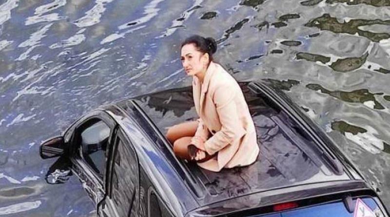 Один вопрос: как? В Харькове иномарка загадочно попала в реку