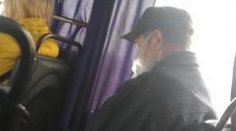 Курьезы карантина: в Новой Одессе пассажир маршрутки надел на лицо пакет