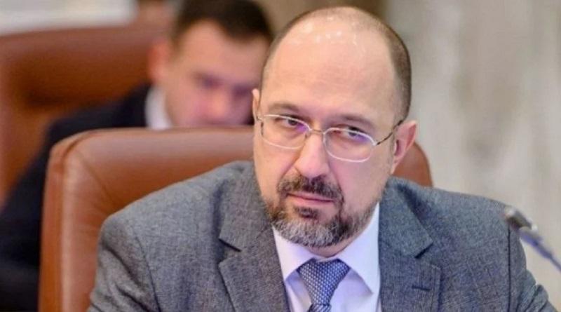 Средняя зарплата в Украине выросла до 12 тысяч, – Шмыгаль