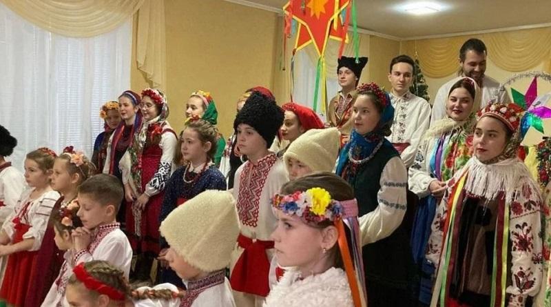 Ужин с кутьей и колядки. Украинцы начнут отмечать Рождество