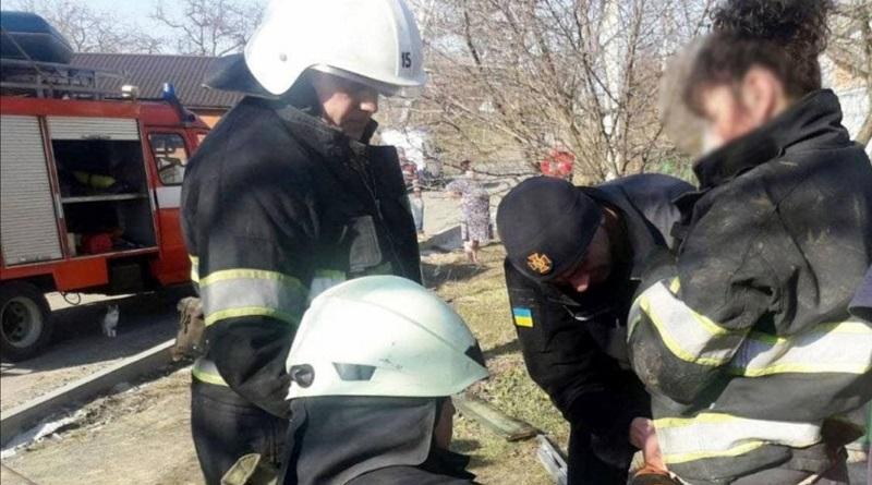 В Хмельницкой области женщина бросилась в 17-метровый колодец спасать маленькую дочь