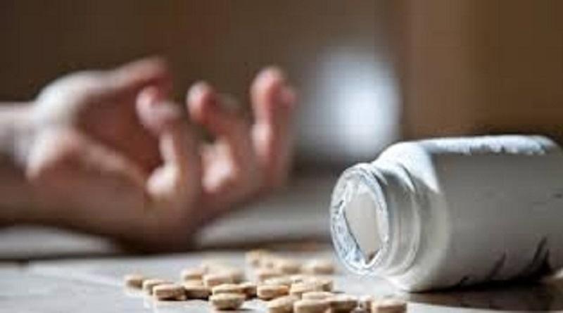 В Каменском 12-летняя школьница отравилась таблетками