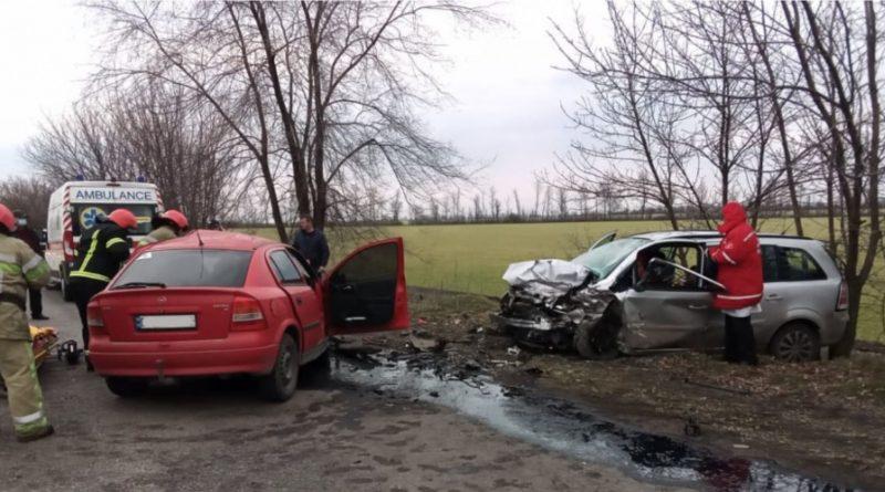 Под Первомайском лоб в лоб столкнулись два Опеля - погибли 16-летние водитель и пассажир