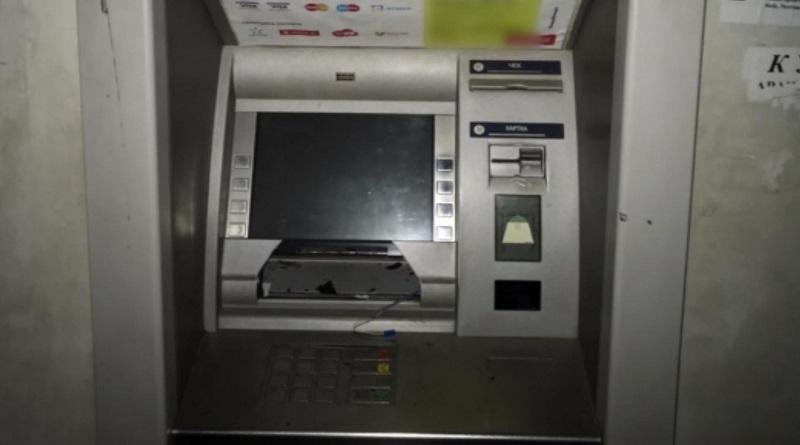 В Харьковской области воры взорвали банкомат и сбежали с деньгами