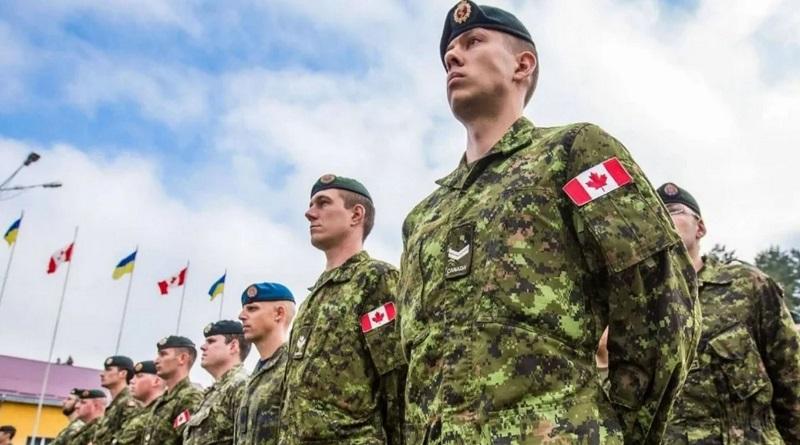 Канада приостановила миссию военных инструкторов в Украине