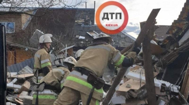В Киеве взрыв газа: разрушены два частных дома, под завалами люди, - СМИ, Фото.