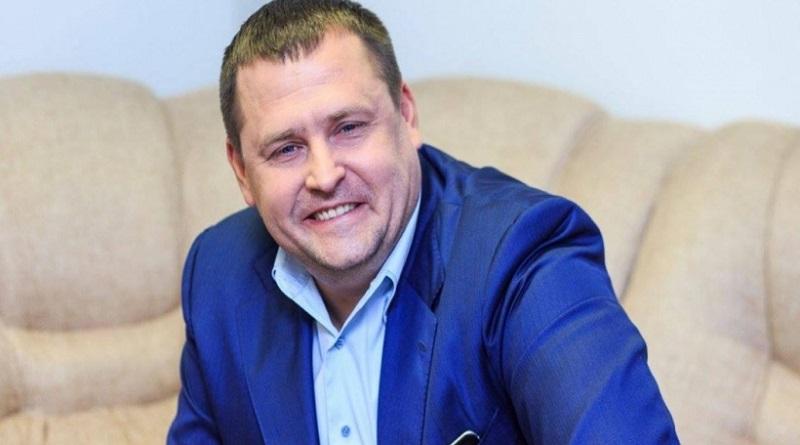 Мэр Днепра задекларировал билет в космос и вертолет