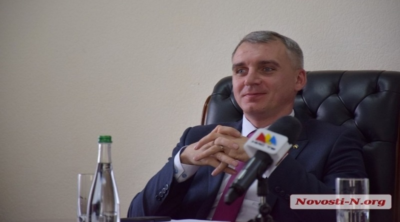 «Вы наши герои!»: Сенкевич трогательно поздравил медсестер, но денег им на доплаты не дал