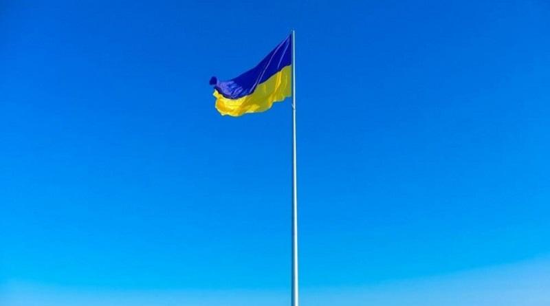 Вопрос гигантского флага: Ким считает, что у Николаева есть деньги на обустройство сквера