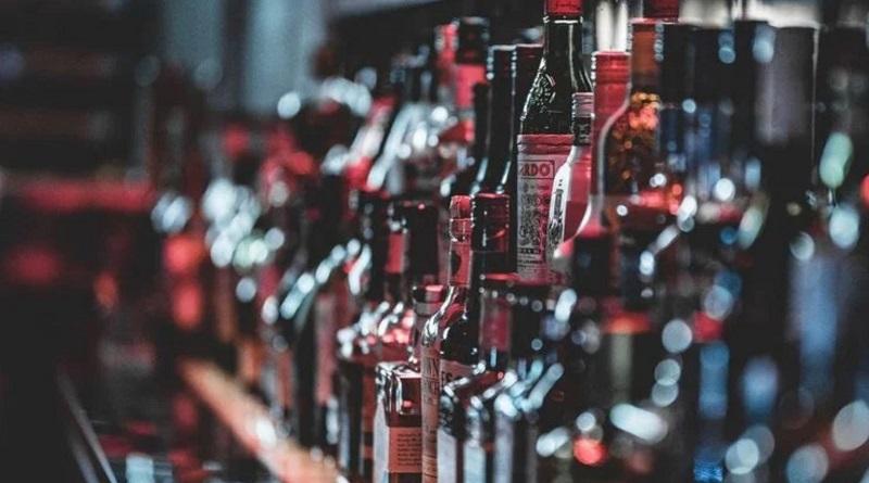 Цены на алкоголь в Украине повысят: что подорожает и насколько