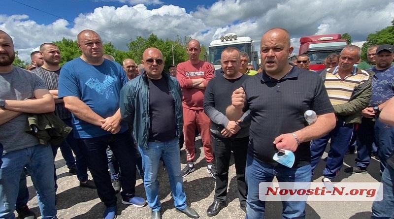 В Николаеве перевозчики обвинили нардепа Негулевского в «крышевании» весовых комплексов