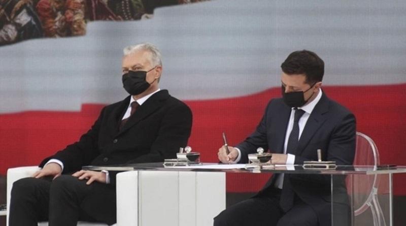 Зеленский в Варшаве подписал декларацию президентов Польши, Эстонии, Латвии, Литвы и Украины