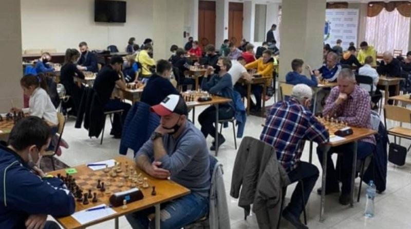 В Николаеве стартовал шахматный «Мемориал Николая Шелеста»