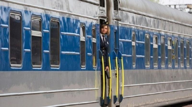 «Укрзализныця» запускает дополнительные поезда к морю: список
