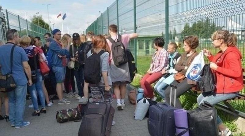 Работа в Польше: украинцев призывают переехать целой семьей