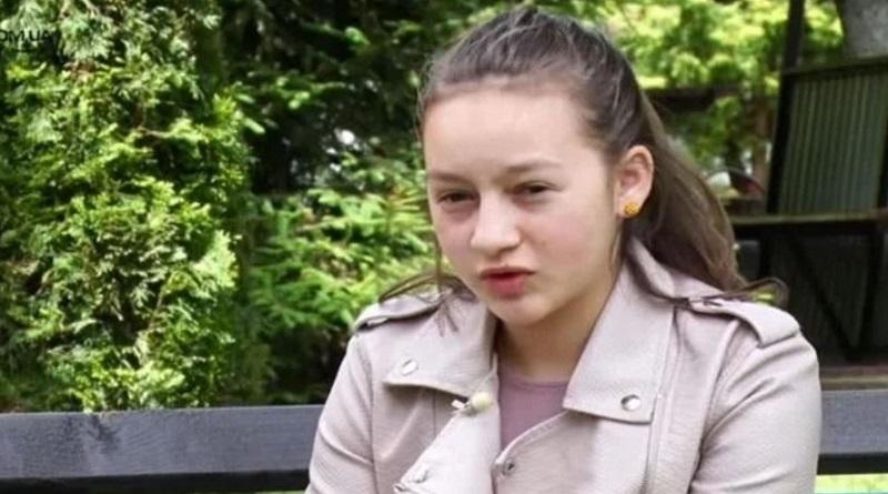 Она вынесла из огня сестру и брата, а от нее отказались родители: большая трагедия маленькой девочки. Видео