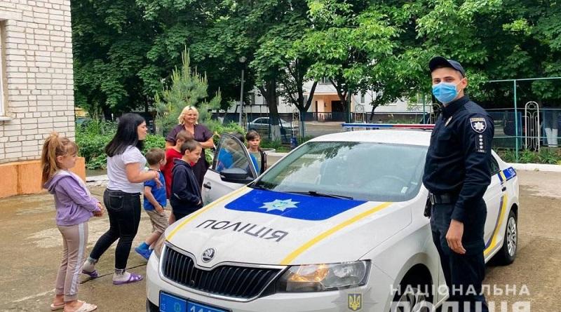 Справжнє свято влаштували дітлахам поліцейські Первомайська та Южноукраїнська