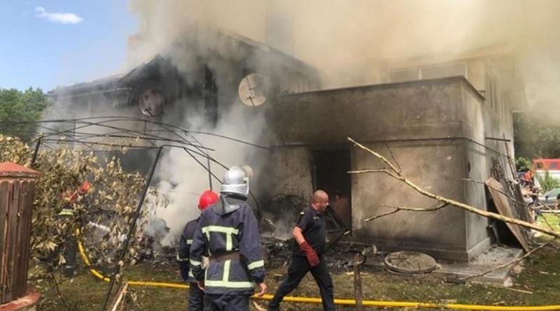 В Ивано-Франковской области самолет упал на жилой дом: погибли 4 человека