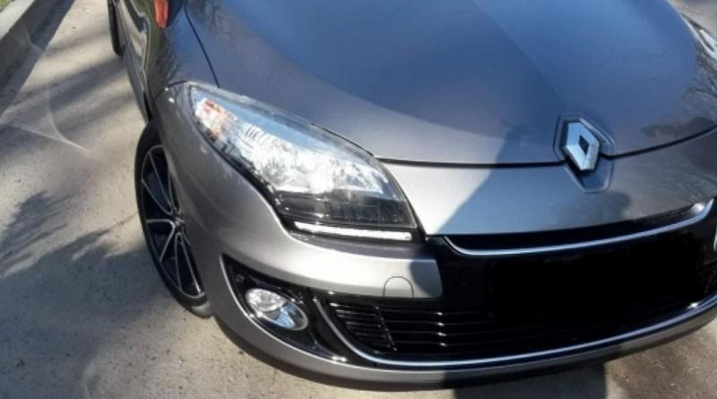 В Первомайске угнали автомобиль Renault Megane. Полиция просит о помощи.