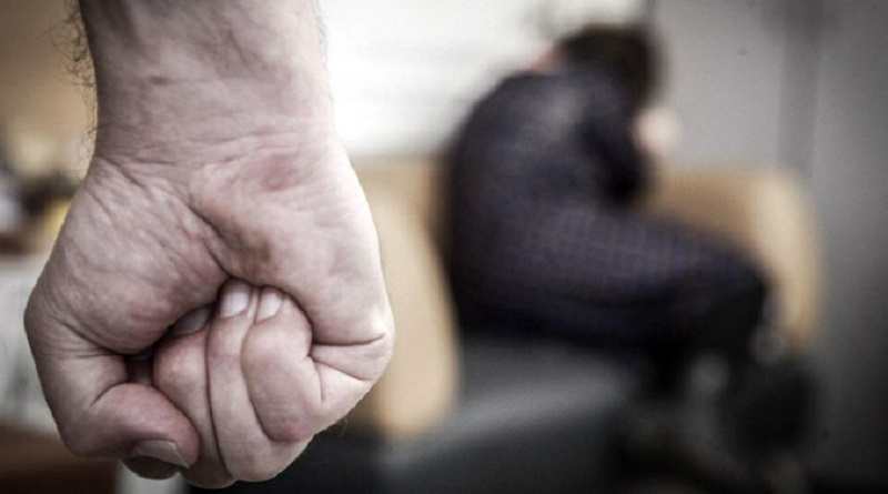 Южноукраїнськ - Чоловіка, який вчиняв домашнє насильство над своєю матерію та погрожував вбивством, взято під варту