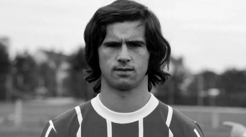 Умер легендарный немецкий футболист Герд Мюллер