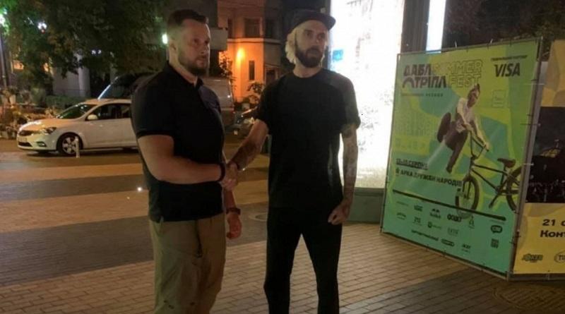 «Нападавшие уже понесли наказание»: «Нацкорпус» извинился перед избитым журналистом
