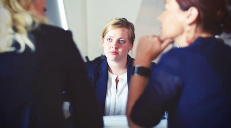 В Украине намерены поднять зарплаты женщинам