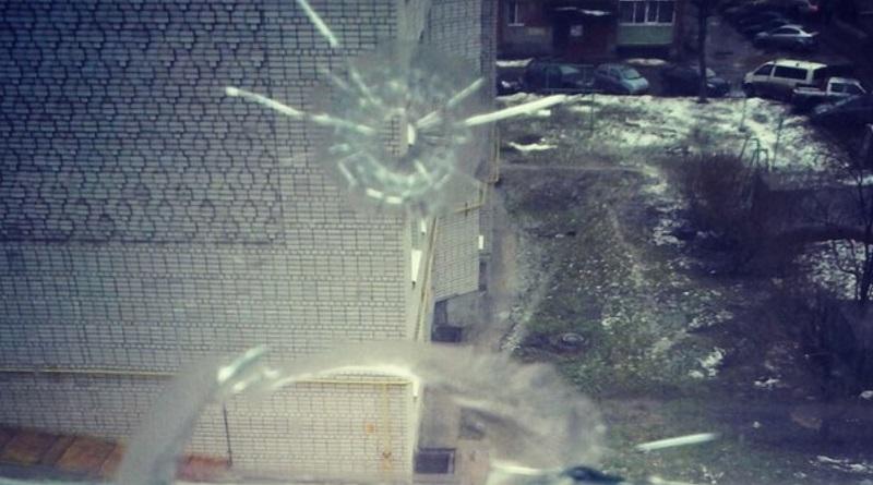 Одессит устроил стрельбу из многоэтажки и ранил мальчика