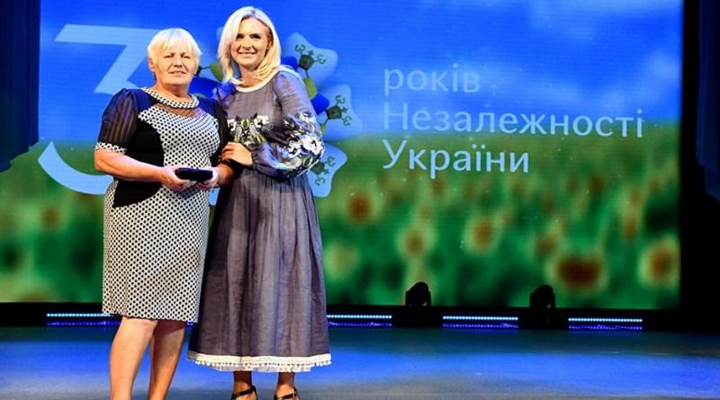 В Николаеве наградили Людмилу Симаненко, которая вынесла из огня троих детей
