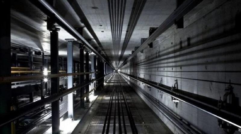 В Харькове с 6-го этажа сорвался лифт с детской коляской
