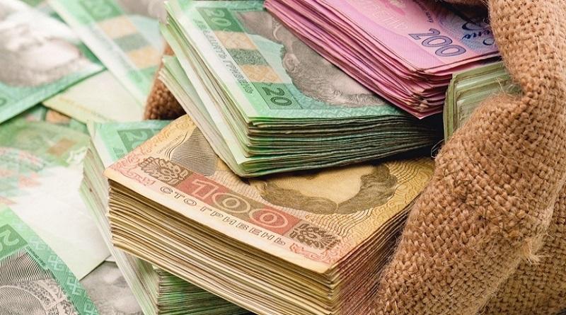 Доходы госбюджета за месяц выросли на треть